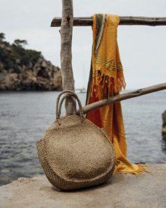 "Produktabbildung: Round beach bag ""Lovina"" made of seaweed"