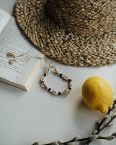 "Produktabbildung: ""Uluwatu"" shell bracelet/anklet with black pearls"