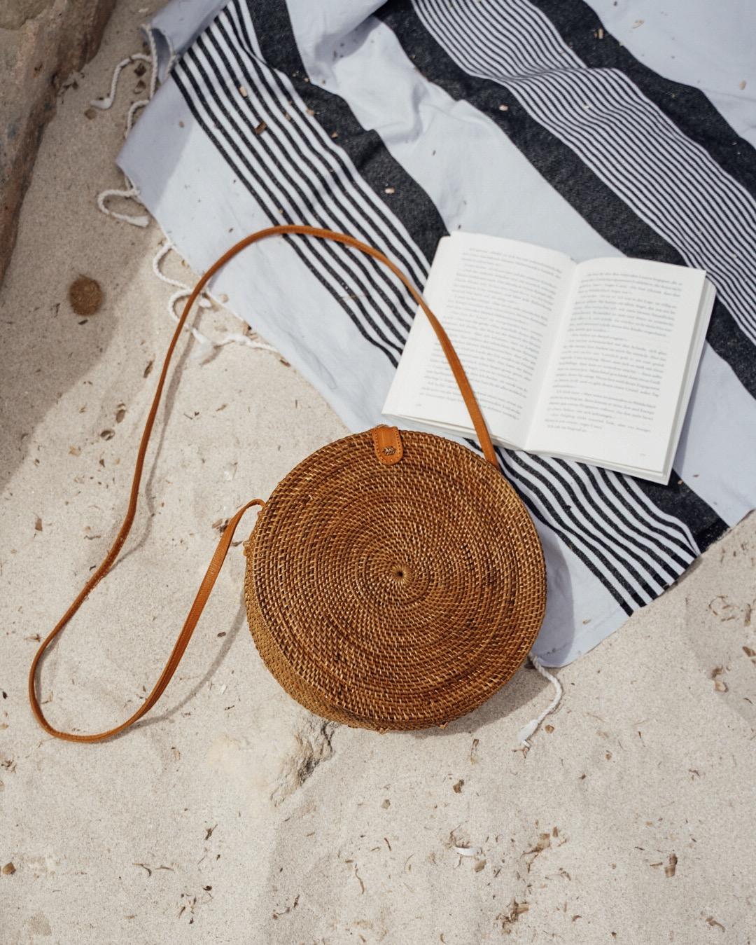 """Farbe: Bali Ata Bag """"Canggu"""" Naturale Rattan Tasche rund aus Ata-Gras"""