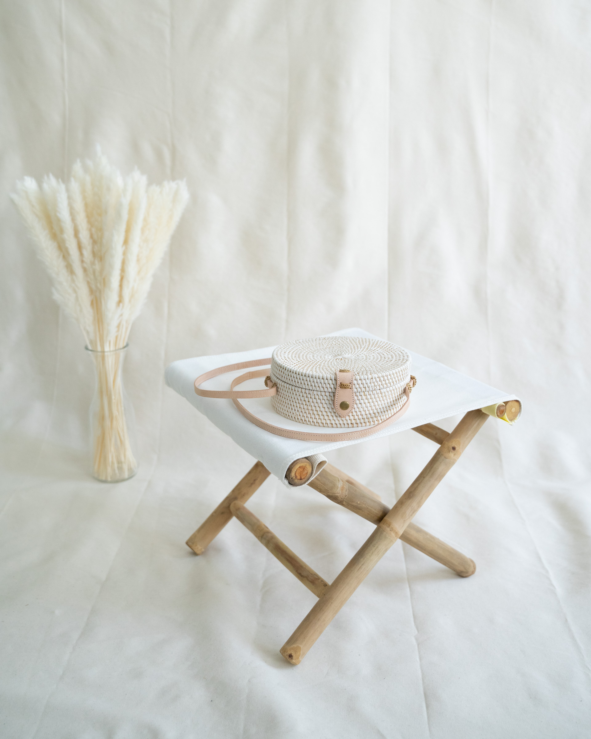 "Color: ""Canggu"" white bali bag made of ata-grass"